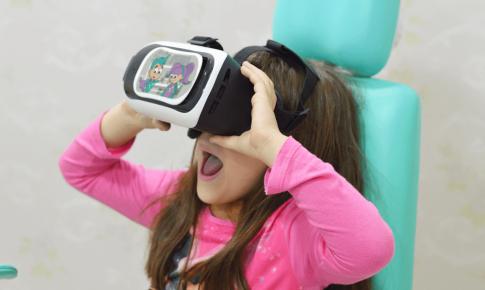 Novidade: Laboratório Vida utiliza simulador de Realidade Virtual para distrair o medo das crianças nos exames