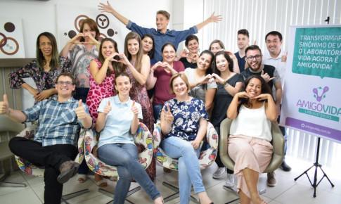 Laboratório AMIGOVIDA faz lançamento da nova marca aos colaboradores
