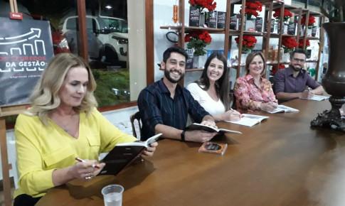 Bienal do Livro: Gestora do Laboratórios Amigovida lança livro em parceria com a Êxito Editora