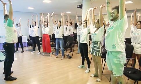 """Laboratórios Amigovida realiza o treinamento """"análises do futuro"""" para os seus colaboradores"""